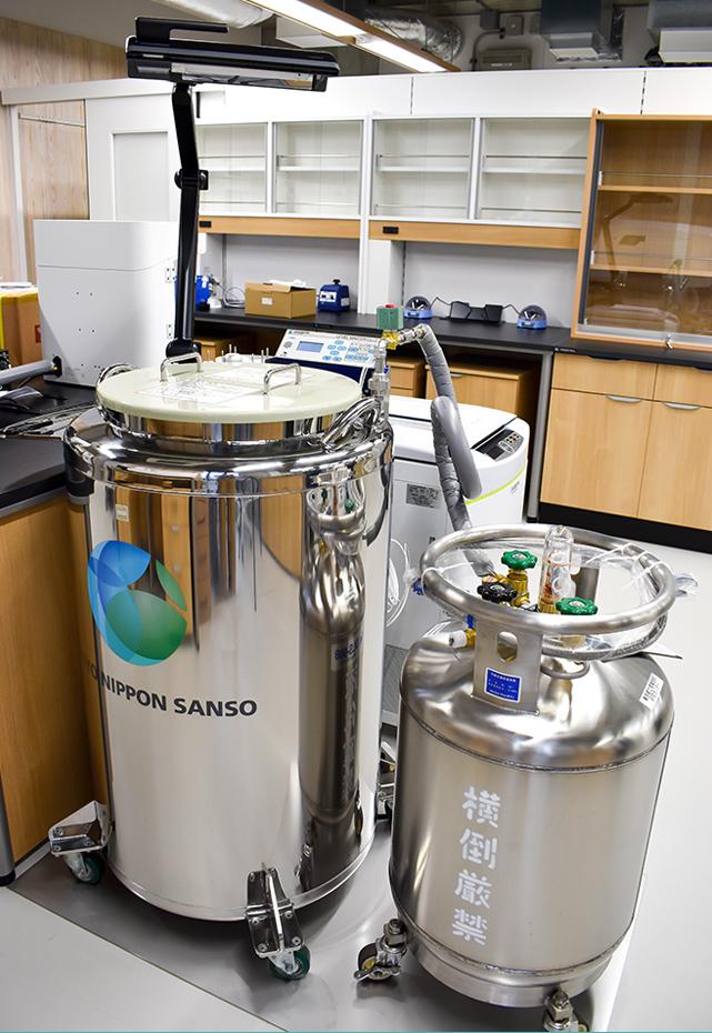 気相式液体窒素細胞保存システム